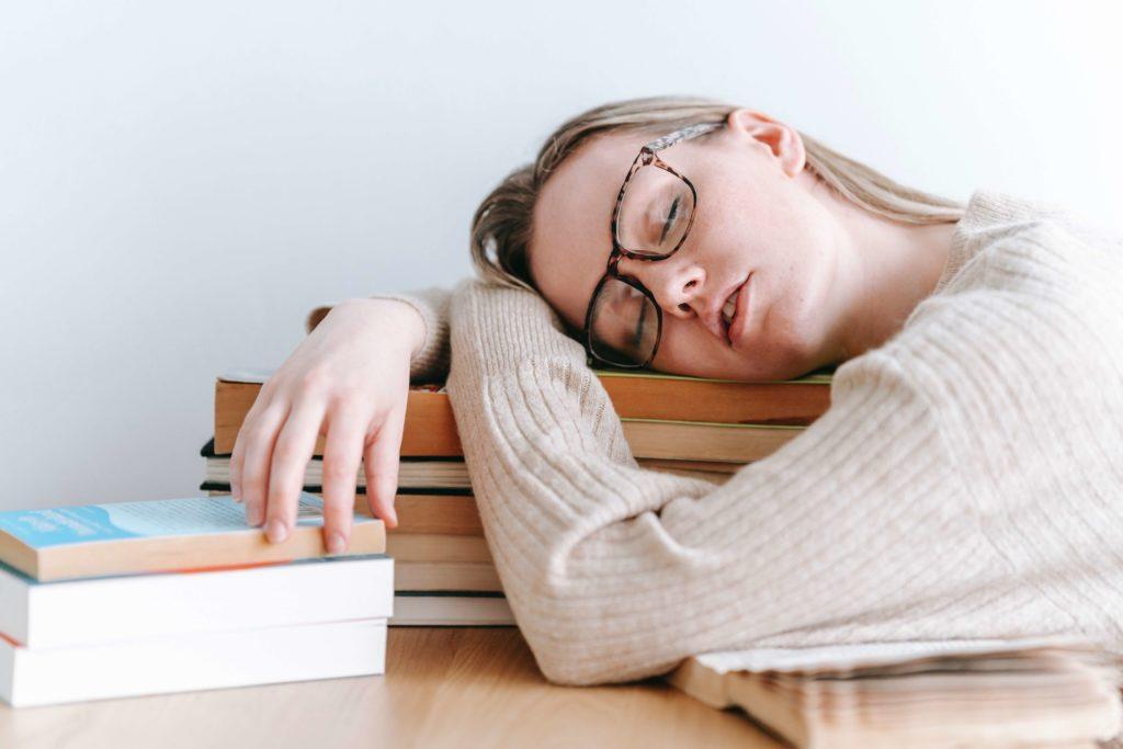 job étudiant sommeil